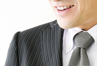 笑顔の男性